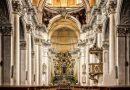 Evangelische & katholische Kirchen schwimmen im Geld